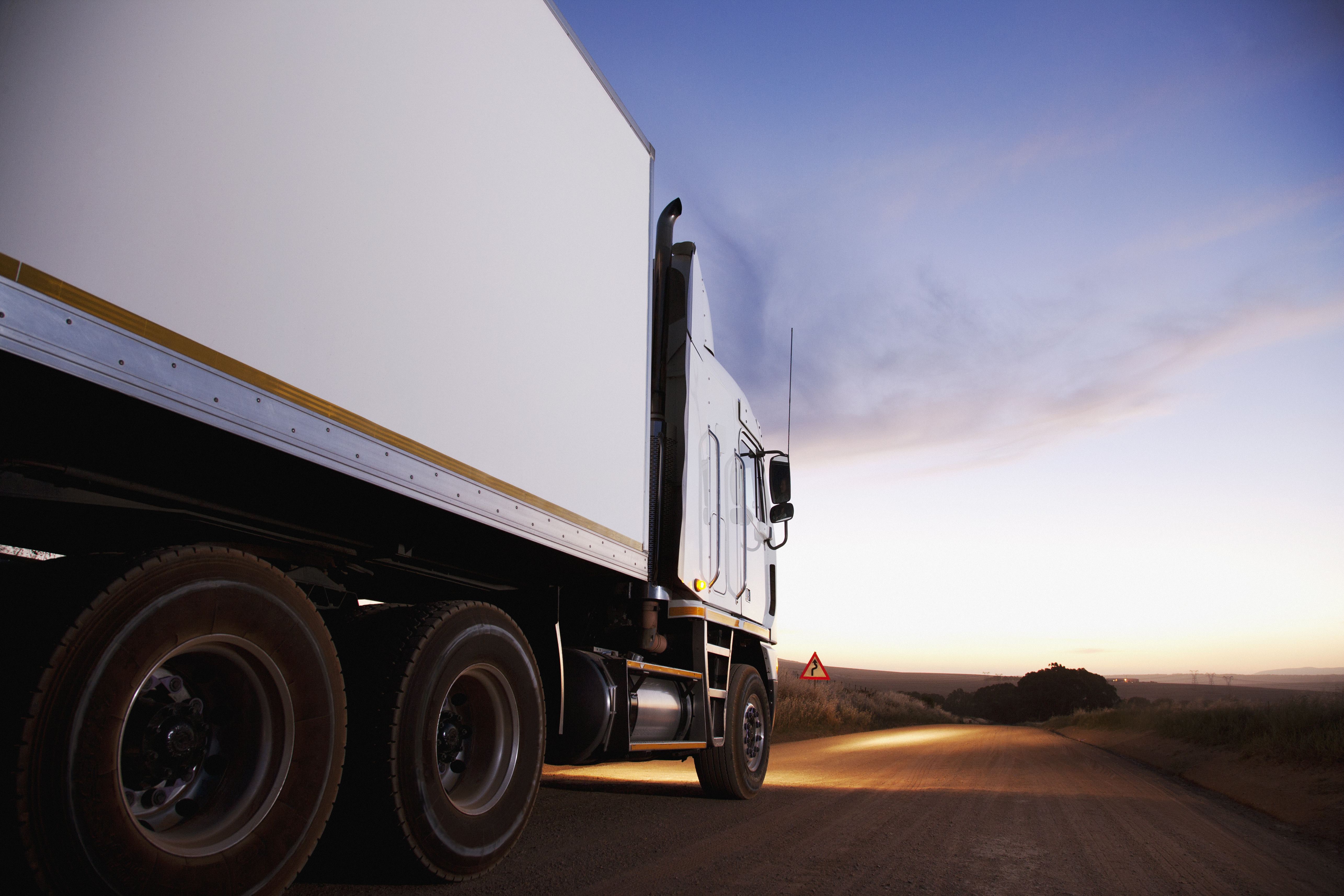 Be Extra Vigilant in Investigating Trucking Accident Cases Thumbnail